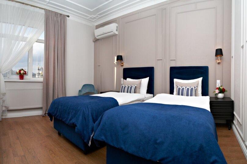 Стандартный улучшенный номер с двумя односпальными кроватями, Певческий переулок, 4, Москва - Фотография 1