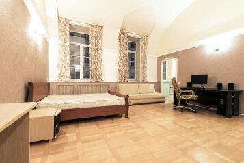 1-комн. квартира, 35 кв.м. на 4 человека, Миллионная улица, 4/1, Санкт-Петербург - Фотография 1