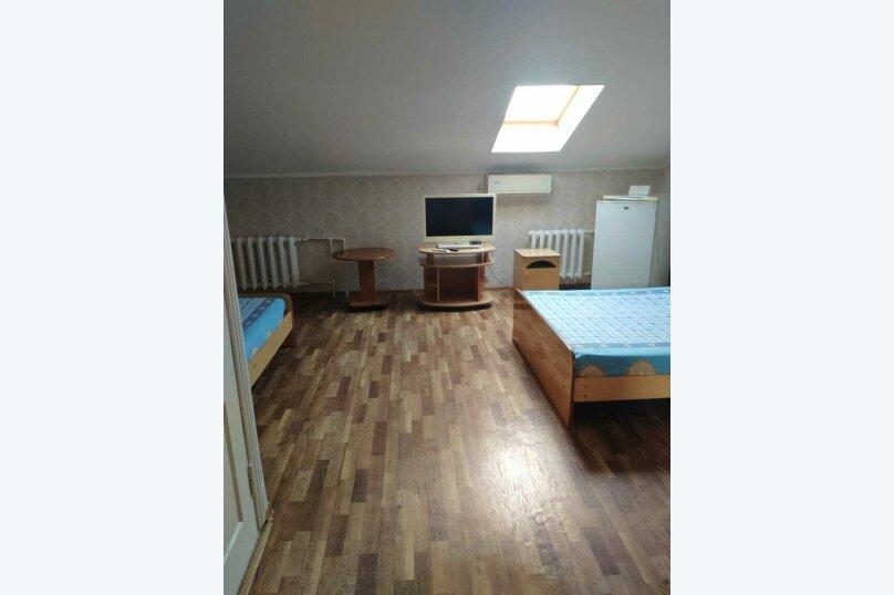 Двухместный номер с 2 двухспальными кроватями, Мирная улица, 23, Анапа - Фотография 1