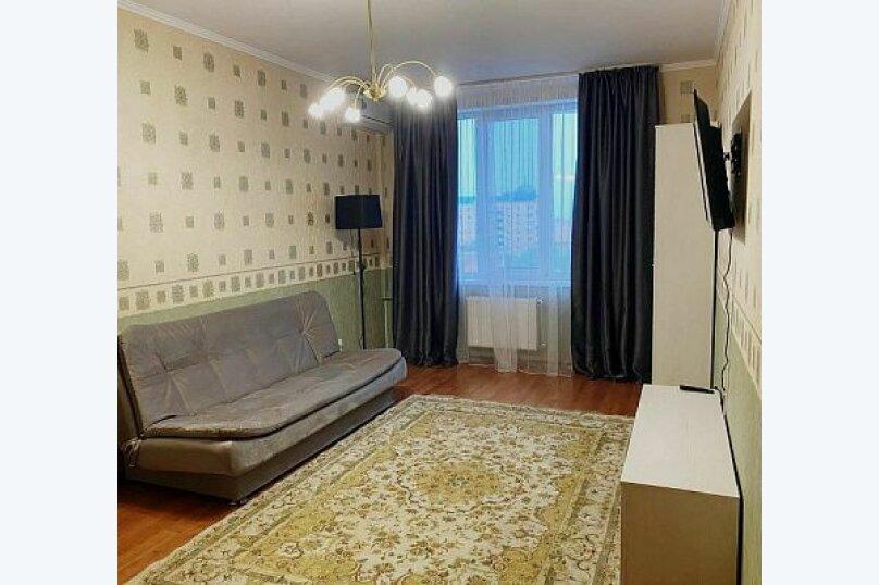 2-комн. квартира, 60 кв.м. на 6 человек, улица Дёмышева, 123, Евпатория - Фотография 1