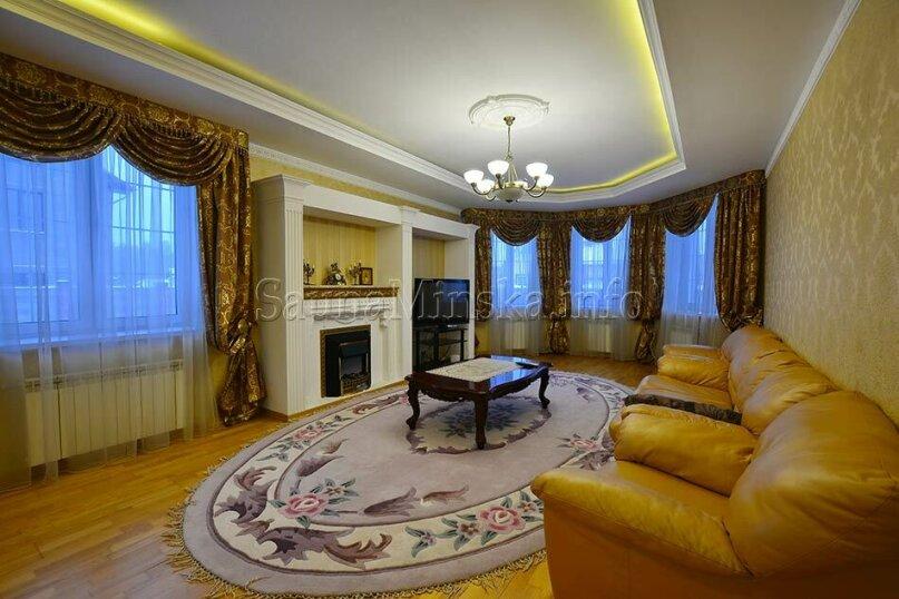 Дом под Минском, 120 кв.м. на 10 человек, 3 спальни, улица Строителей, 17, Минск - Фотография 1