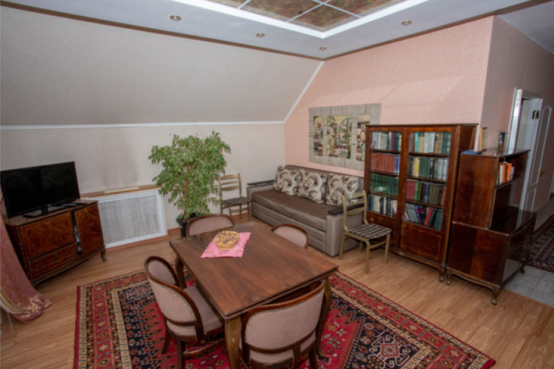Второй этаж посуточно, 60 кв.м. на 6 человек, 3 спальни, улица Нины Попцовой, 4, Пятигорск - Фотография 7