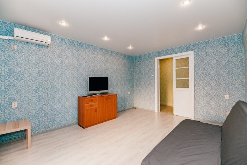 2-комн. квартира, 60 кв.м. на 6 человек, улица Гаяза Исхаки, 8, Казань - Фотография 2