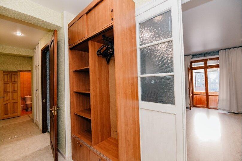 2-комн. квартира, 60 кв.м. на 6 человек, улица Гаяза Исхаки, 8, Казань - Фотография 3