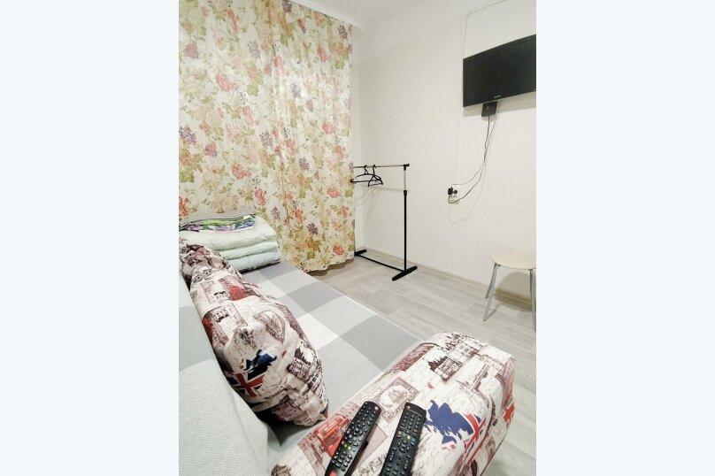 1-комн. квартира, 16 кв.м. на 2 человека, улица Котовского, 15, Тюмень - Фотография 2