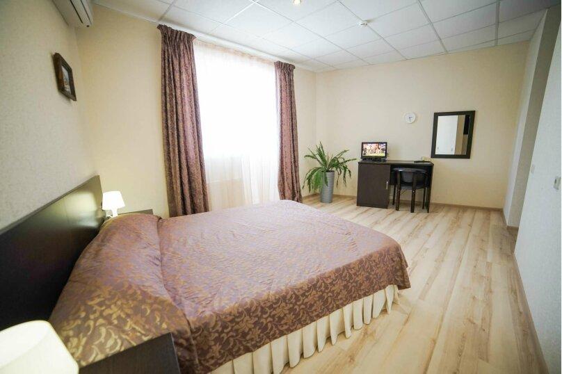 Двухместный стандарт с двуспальной кроватью, Тополиный проезд, 3, Анапа - Фотография 13