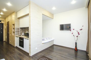 1-комн. квартира, 30 кв.м. на 2 человека, улица Мелик-Карамова, 4, Сургут - Фотография 1