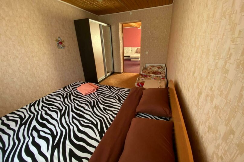 Гостевой дом с баней в 8км до горнолыжного курорта , 110 кв.м. на 8 человек, 2 спальни, Урицкого, 120, Шерегеш - Фотография 8