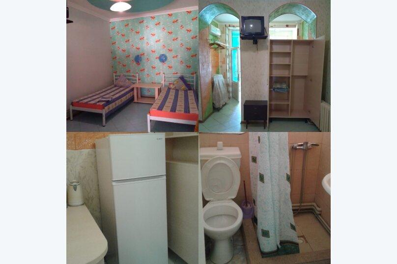 комната №2 (двухместная+доп.место), Земская улица, 5, Феодосия - Фотография 1