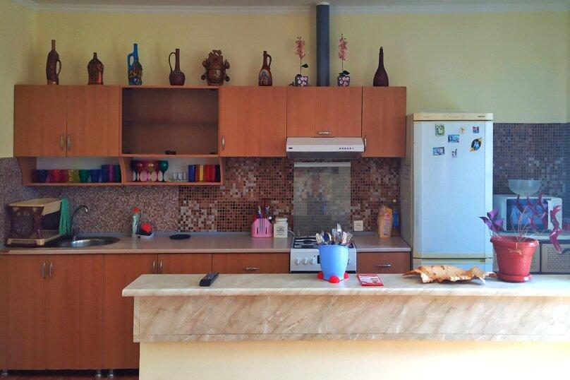 """Гостевой дом """"Одиссей"""", Мирный переулок, 8 на 10 комнат - Фотография 17"""