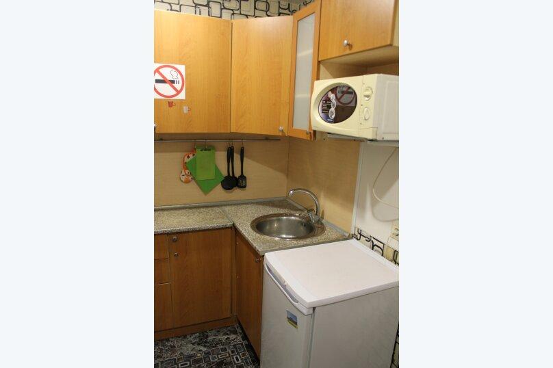 1-комн. квартира, 31 кв.м. на 4 человека, улица Котовского, 43, Новосибирск - Фотография 9