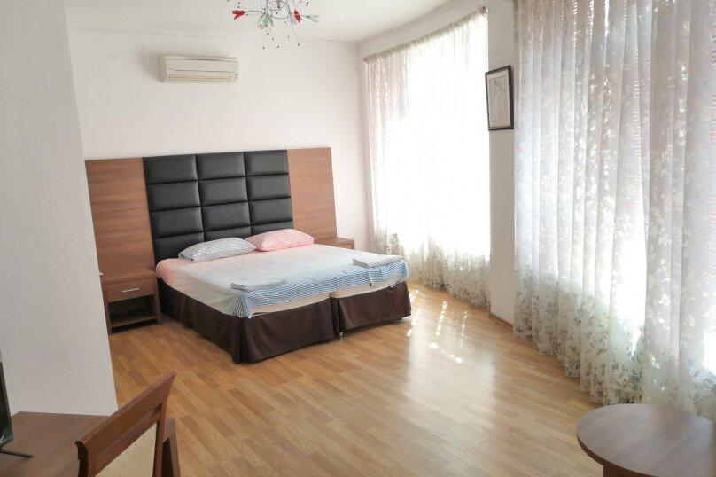 Коттедж в 3 этажа на частной огороженной территории, 330 кв.м. на 14 человек, 7 спален, Заречная улица, 1Г, Ольгинка - Фотография 4