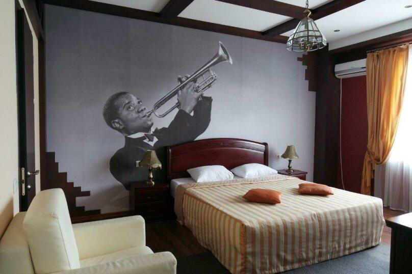 """Отель """"Music Hall"""", Революционная улица, 6 на 10 номеров - Фотография 20"""