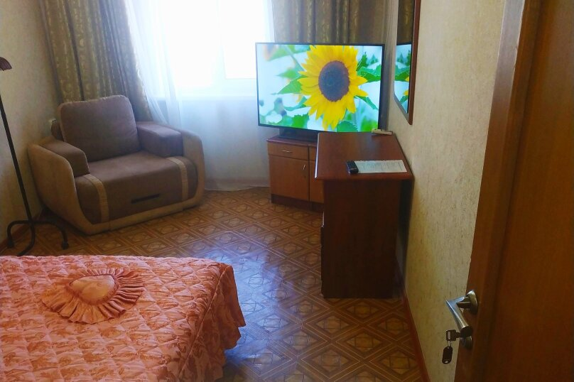 Хорошенький домик у моря, 50 кв.м. на 6 человек, 2 спальни, Алупкинское шоссе, 74Б, Гаспра - Фотография 2