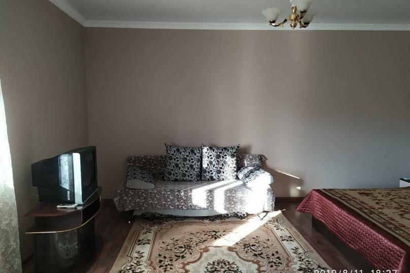 """Частный гостевой дом """"Мавиле"""", 100 кв.м. на 12 человек, 4 спальни, улица Чобан-Заде, 4, Судак - Фотография 2"""