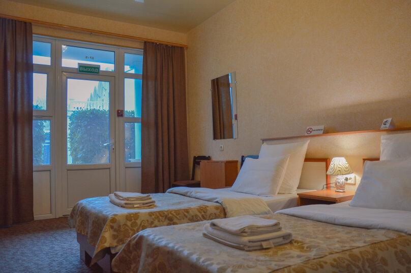 Стандарт с двумя раздельными кроватями, улица Крестовского, 87А, Балаклава - Фотография 1
