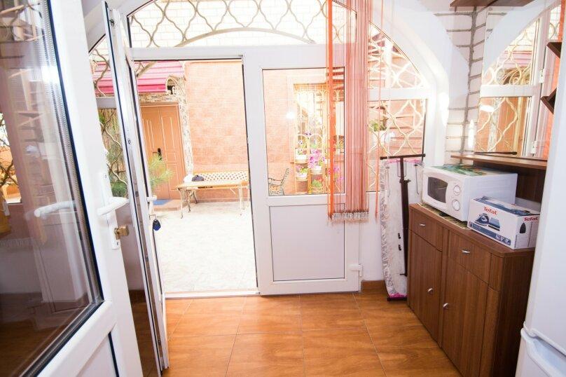 """Дом для отдыха """"Каталония"""", 120 кв.м. на 7 человек, 2 спальни, Заводская улица, 28, Анапа - Фотография 28"""