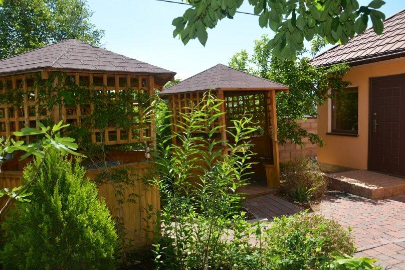"""Уютный дом, 130 кв.м. на 18 человек, 5 спален, СНТ """"Чайка"""" Абрикосовая, 45, Севастополь - Фотография 4"""
