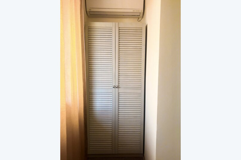 """Гостевой дом """"Это Лето"""", Таврическая улица, 26 на 9 комнат - Фотография 54"""