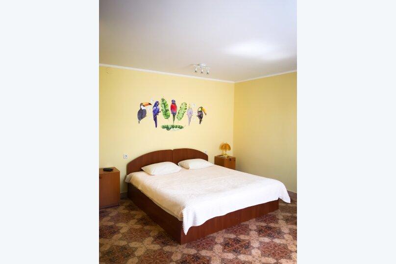 """(8) """"Bungalow"""" room с террасой (1 этаж), для четверых, Таврическая улица, 26, Оленевка - Фотография 1"""