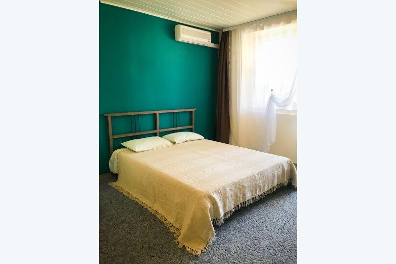"""(6) """"Family camp"""" room с балконом (2 этаж), для четверых , Таврическая улица, 26, Оленевка - Фотография 1"""