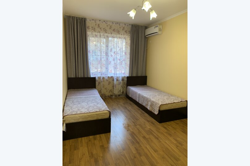 2-комн. квартира, 55 кв.м. на 8 человек, улица Грибоедова, 48, Геленджик - Фотография 3
