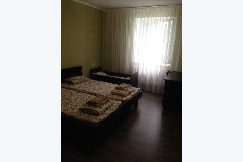 Дом на 8 человек в Молочном, 100 кв.м. на 8 человек, 4 спальни, Приморская, 70, Молочное - Фотография 2