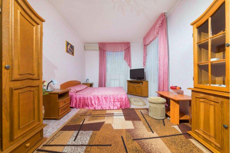 """Гостевой дом """"Капитан С"""", улица Самбурова, 177 на 14 комнат - Фотография 1"""