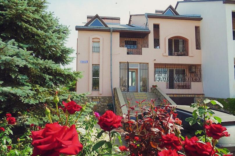 """Гостевой дом """"Это Лето"""", Таврическая улица, 26 на 9 комнат - Фотография 1"""
