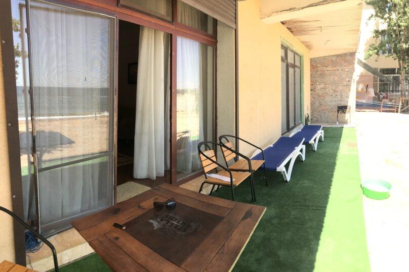 Трехэтажный Эллинг под ключ, 200 кв.м. на 10 человек, 3 спальни, Курортная улица, 42А, Феодосия - Фотография 1