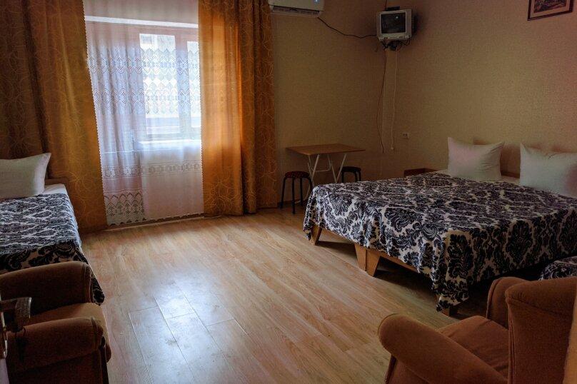 4-х местный номер с отдельным входом , Набережная , 42, Штормовое - Фотография 1