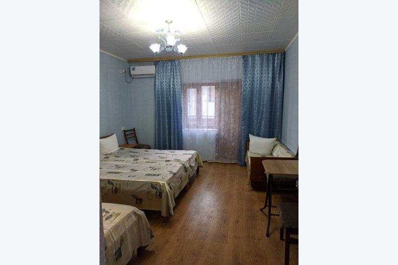 Гостиница 1137538, Набережная , 42 на 6 комнат - Фотография 9