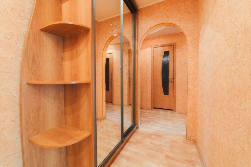 2-комн. квартира, 54 кв.м. на 4 человека, улица 250-летия Челябинска, 25, Челябинск - Фотография 19
