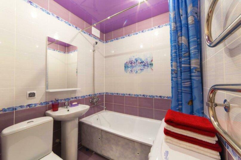 2-комн. квартира, 54 кв.м. на 6 человек, улица Цвиллинга, 47Б, Челябинск - Фотография 17