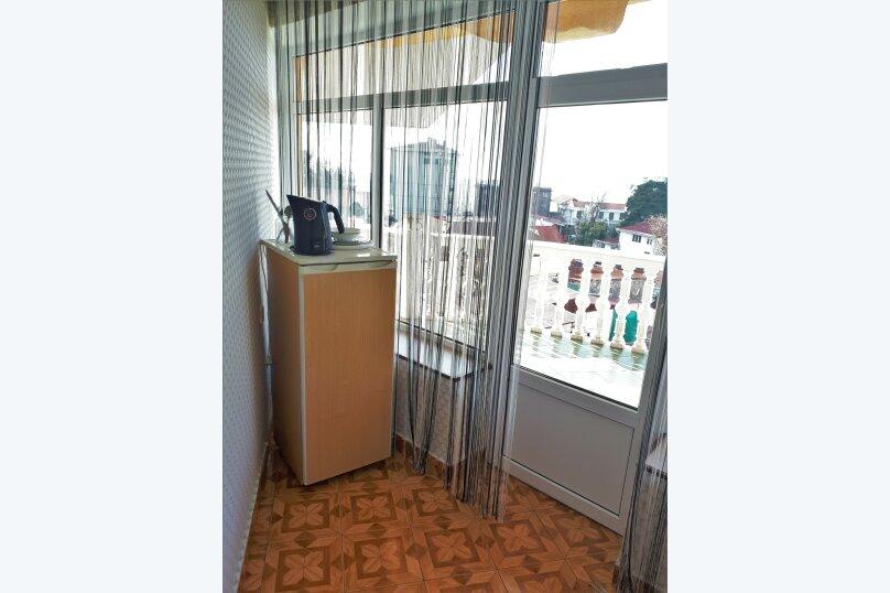 Четырехместный с балконом , улица Ульянова, 10, Адлер - Фотография 8