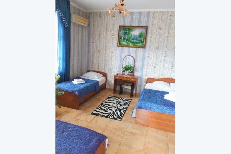 Четырехместный с балконом , улица Ульянова, 10, Адлер - Фотография 19