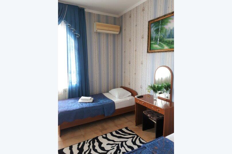 Четырехместный с балконом , улица Ульянова, 10, Адлер - Фотография 21