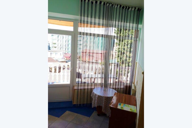 Четырехместный с балконом , улица Ульянова, 10, Адлер - Фотография 29