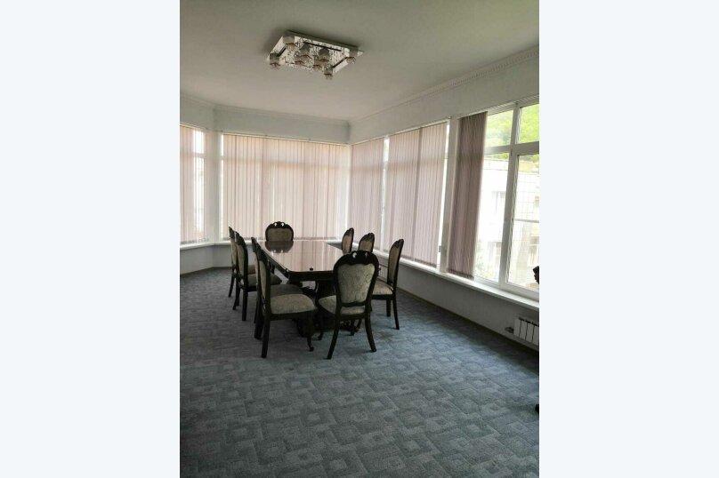Коттедж в 3 этажа на частной огороженной территории, 330 кв.м. на 14 человек, 7 спален, Заречная улица, 1Г, Ольгинка - Фотография 6