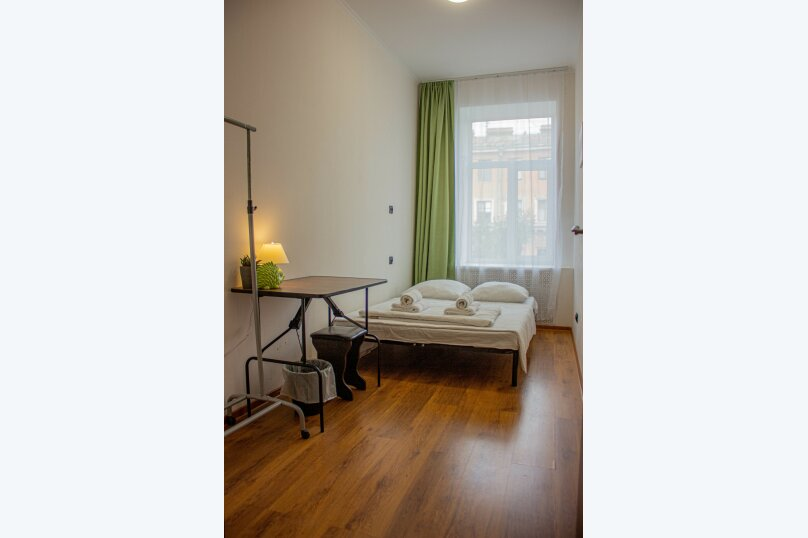 Стандартная 2-х местная комната c 1 кроватью, 7-я линия Васильевского острова, 40, Санкт-Петербург - Фотография 1