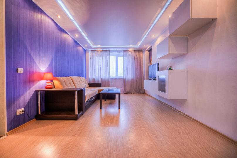 2-комн. квартира, 54 кв.м. на 4 человека, улица Свободы, 141, Челябинск - Фотография 5