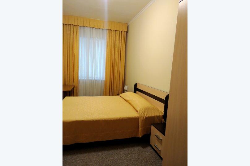 семейный 2х комнатный, ул.Карла Маркса, 24 а, Ялта - Фотография 1