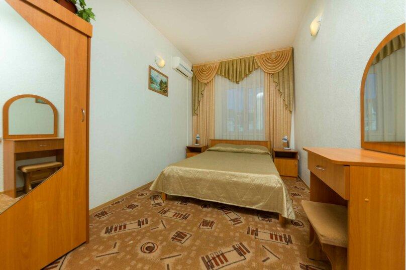 Стандартный 3-хместный номер , улица Самбурова, 177, Анапа - Фотография 1