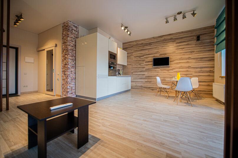 1-комн. квартира, 47 кв.м. на 4 человека, улица Орджоникидзе, 64, Челябинск - Фотография 12