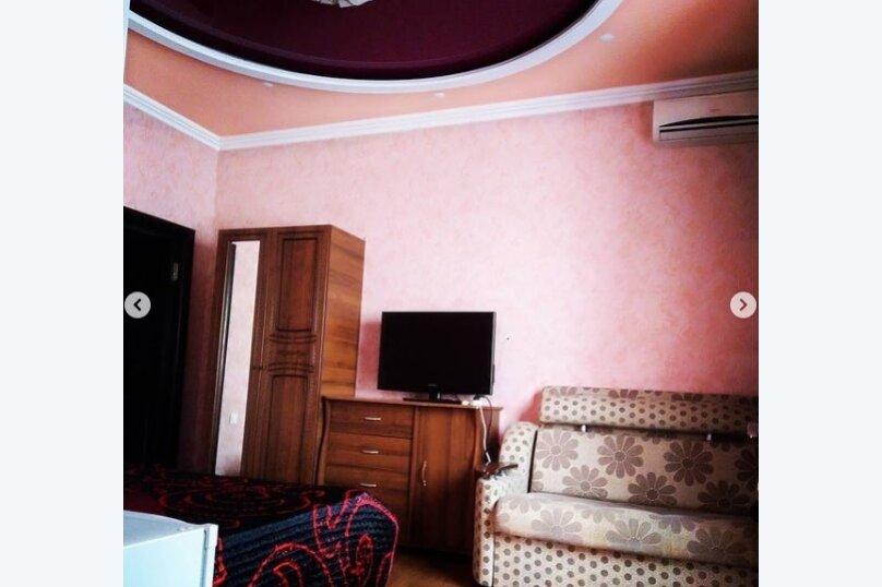 Гостиница 1143622, улица Грибоедова, 19 на 8 комнат - Фотография 23