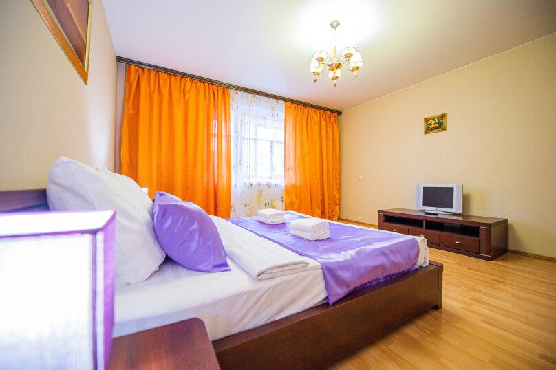 3-комн. квартира, 117 кв.м. на 8 человек, улица Энгельса, 36А, Челябинск - Фотография 1