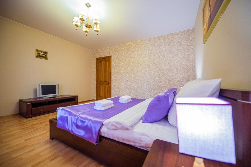 3-комн. квартира, 117 кв.м. на 8 человек, улица Энгельса, 36А, Челябинск - Фотография 4