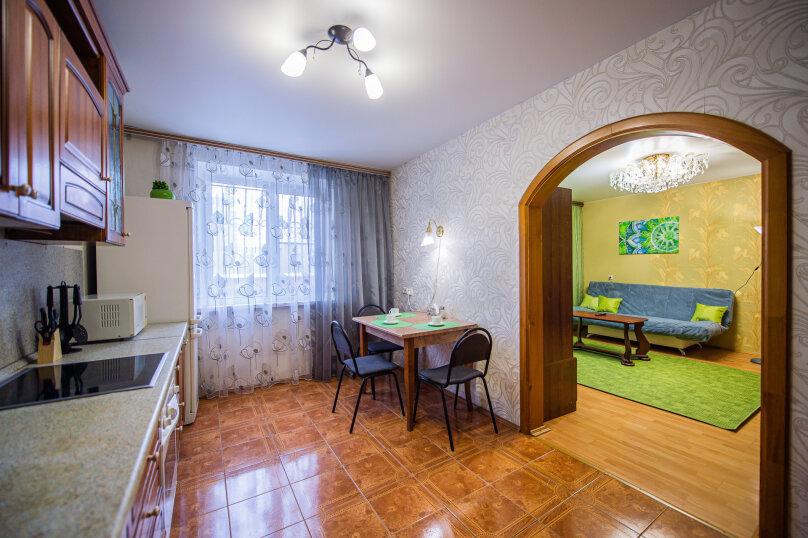 3-комн. квартира, 117 кв.м. на 8 человек, улица Энгельса, 36А, Челябинск - Фотография 9