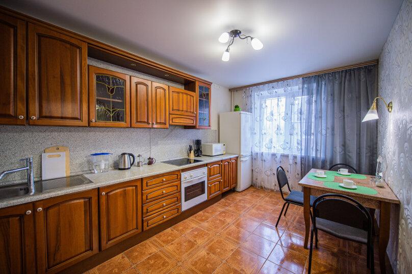 3-комн. квартира, 117 кв.м. на 8 человек, улица Энгельса, 36А, Челябинск - Фотография 10