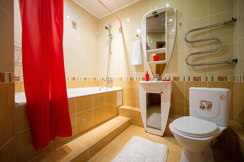 3-комн. квартира, 117 кв.м. на 8 человек, улица Энгельса, 36А, Челябинск - Фотография 15